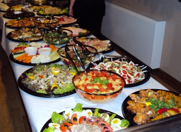 Hot and cold buffet catering for party 39 s and weddings for Canape buffet menus