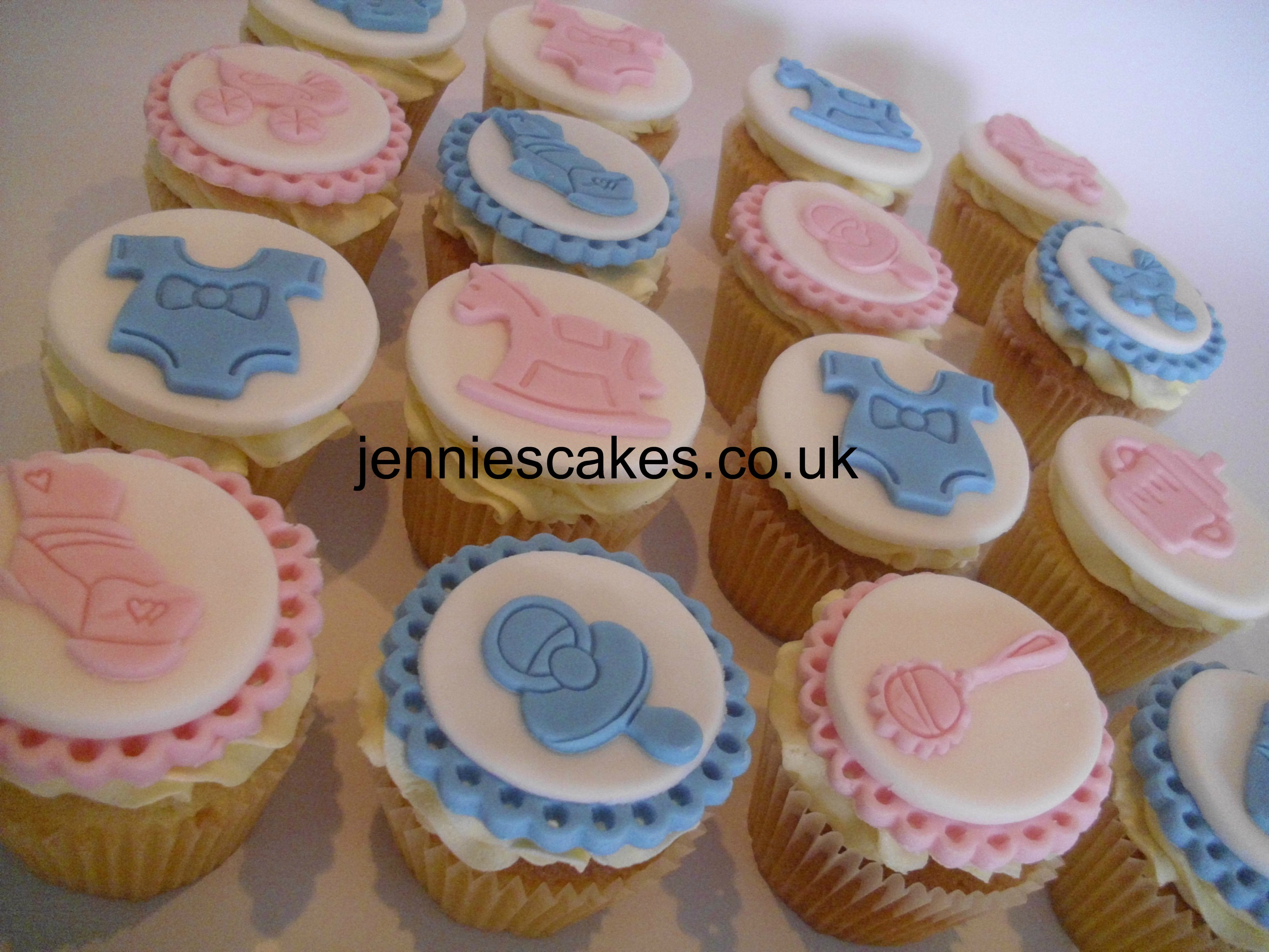 cupcakes come in so many flavours and designs you can have them for